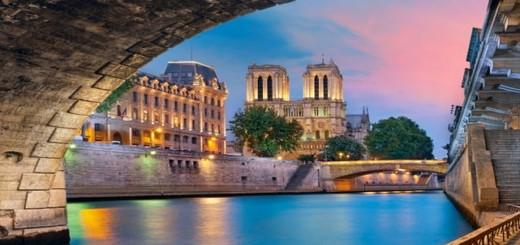 Paris depuis la Seine
